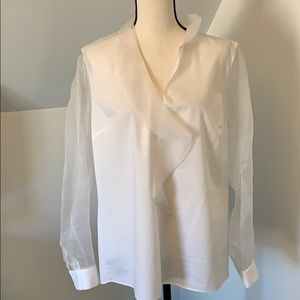 Elie Tahari EUC white blouse with sheer sleeves